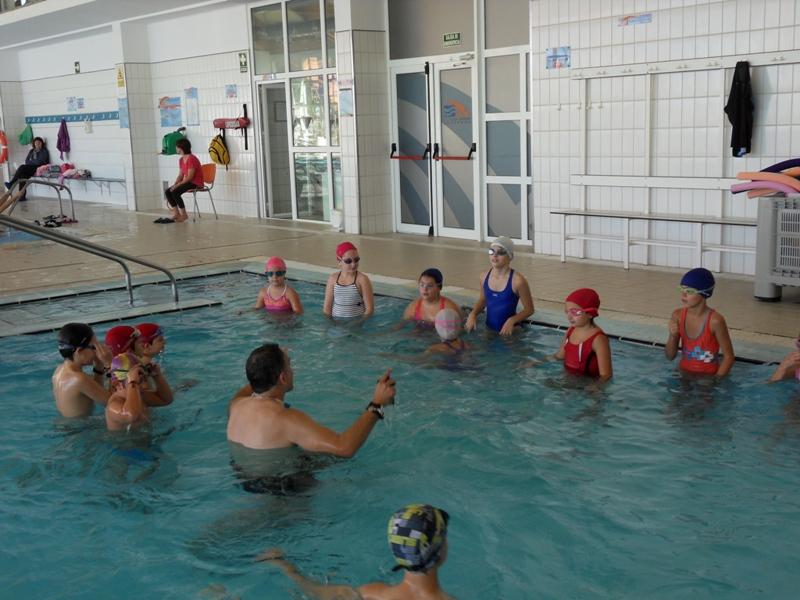 Cuarto se remoja en la piscina cubierta ceip alfonso x for Piscina cubierta requena
